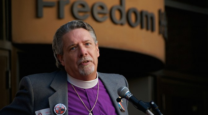 Rev. Turner Signs Interfaith Dream Act Letter to Congress